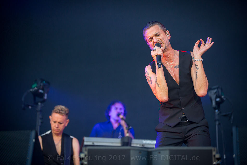 Depeche Mode In Leipzig Black Celebration Statt Kirchentag Hell Zone Ezine
